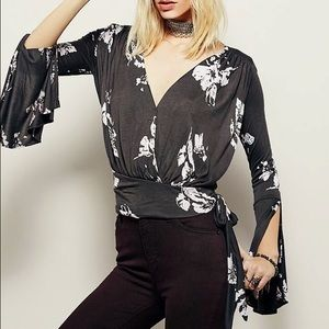 Free People Fiona Bell Sleeve Top Like New Small